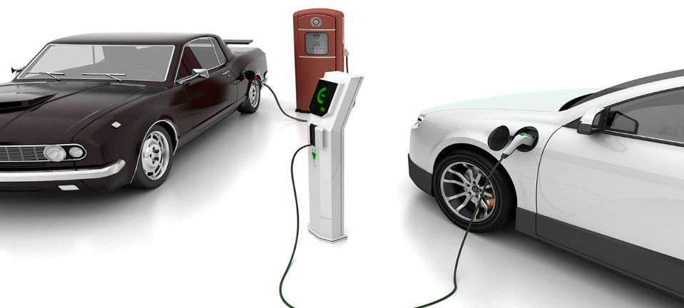 [:en]ELECTRIC AND COMBUSTION ENGINES RACE FOR EFFICIENCY[:]